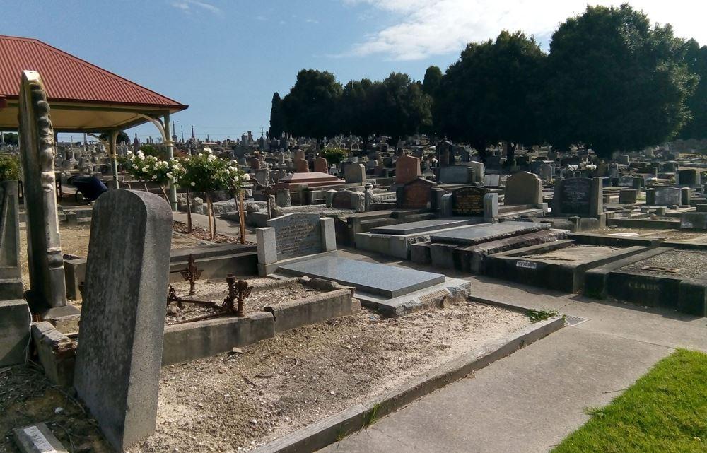 Commonwealth War Graves Warringal Cemetery