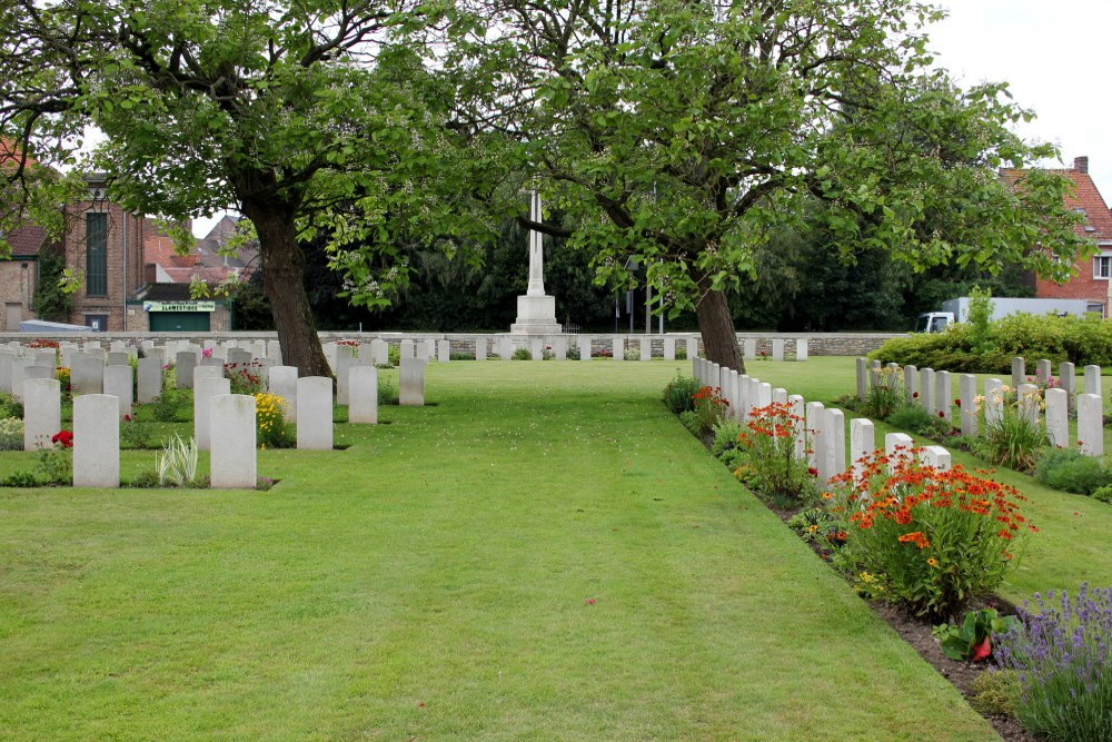 Commonwealth War Cemetery Vlamertinghe