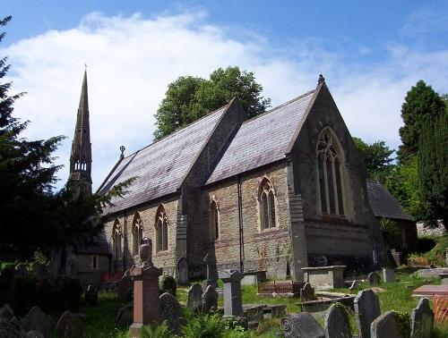 Oorlogsgraven van het Gemenebest St Cattwg Churchyard