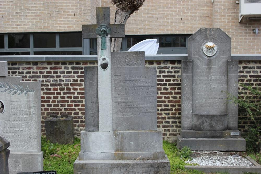 Belgisch Oorlogsgraf Rosmeer