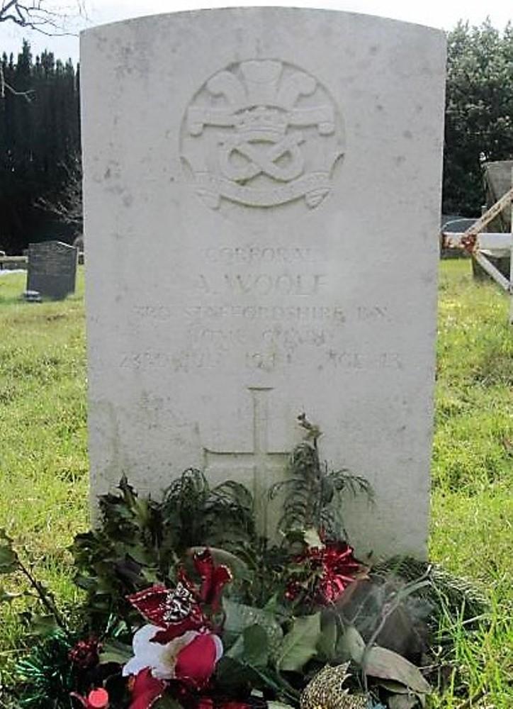 Oorlogsgraven van het Gemenebest St. Peter Churchyard Extension