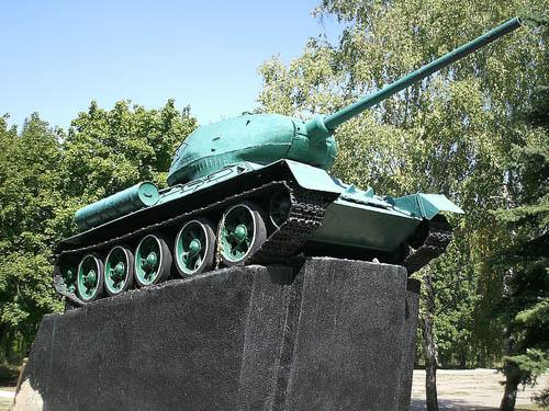 Bevrijdingsmonument (T-34/85 Tank) Druzhkovka
