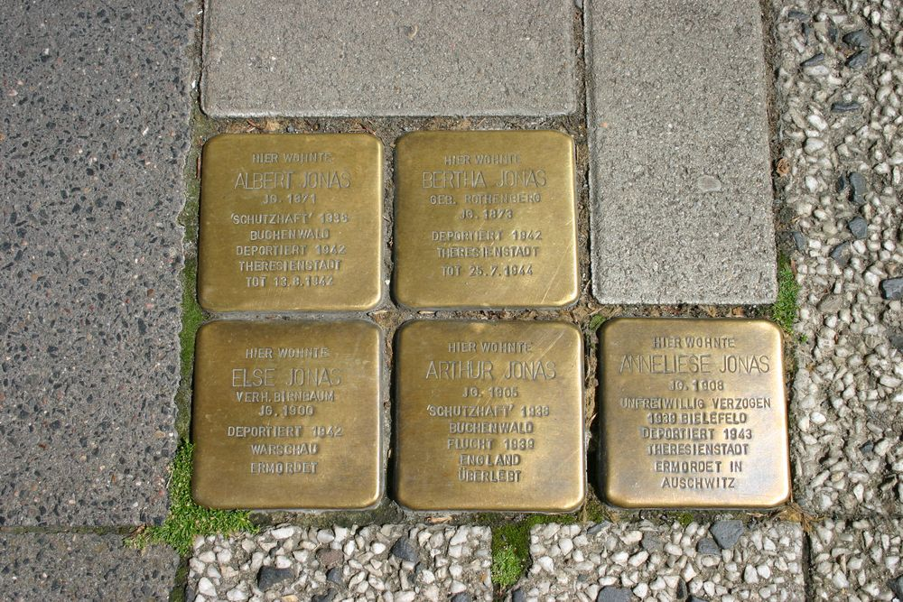 Stumbling Stones Baustrasse 16
