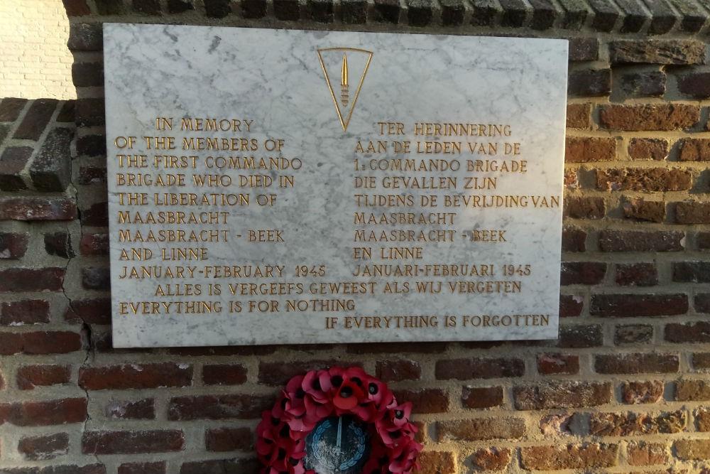 Plaque 1e Commando Brigade Roman Catholic Churchyard Linne