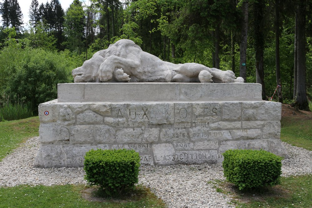 "Memorial 130th French Division (""The Wounded Lion"") - Verdun -  TracesOfWar.com"
