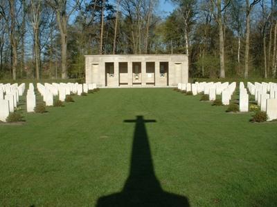 Commonwealth War Cemetery Sage