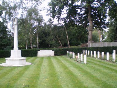 Commonwealth War Graves Henley Road