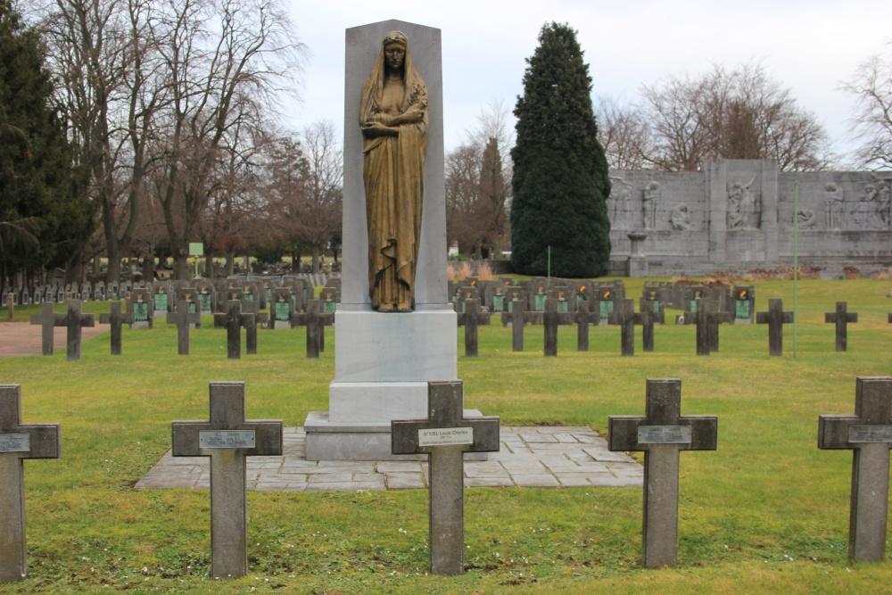 Franse Oorlogsgraven Begraafplaats Robermont