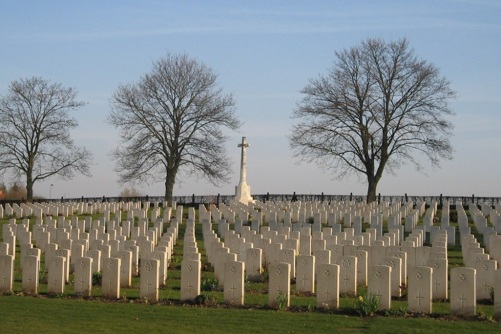 Hanover Commonwealth War Cemetery