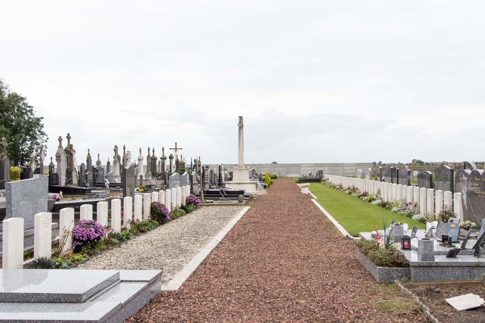 Oorlogsgraven van het Gemenebest Les Moeres