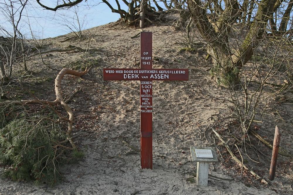 Monument Derk van Assen