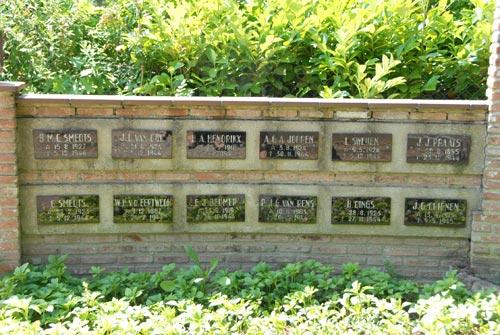 Oorlogsmonument Rooms Katholieke Begraafplaats Baarlo