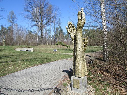 Camp Cemetery SS-Truppenübungsplatz Heidelager