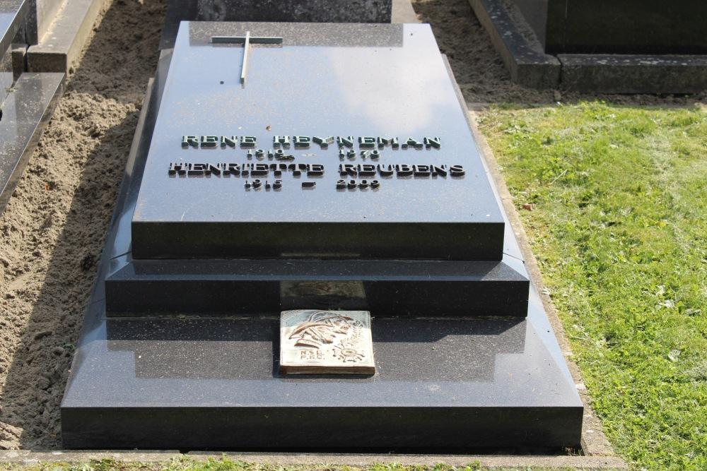 Veteran War Graves Old Cemetery Knokke