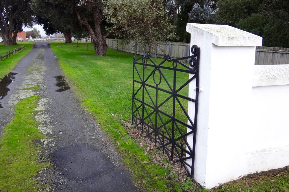 Commonwealth War Graves Ulverstone Cemetery