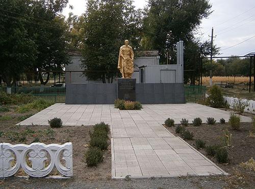 Massagraf Sovjet Soldaten Zelene Pole