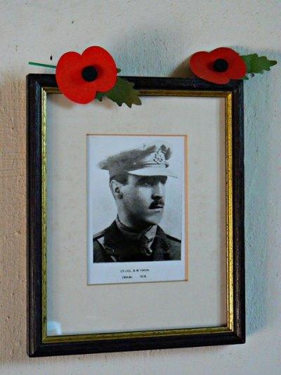 Monument Lt. Col. Bernard Vann VC