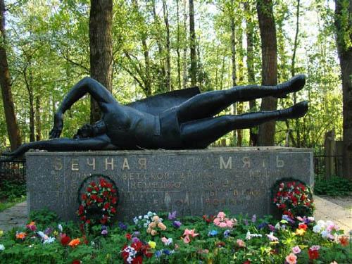 Massagraf Sovjet Soldaten Ust-Izhora