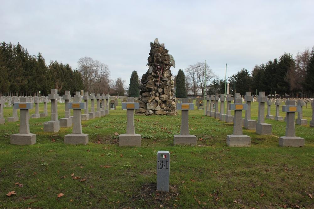 Servische Oorlogsgraven Begraafplaats Robermont
