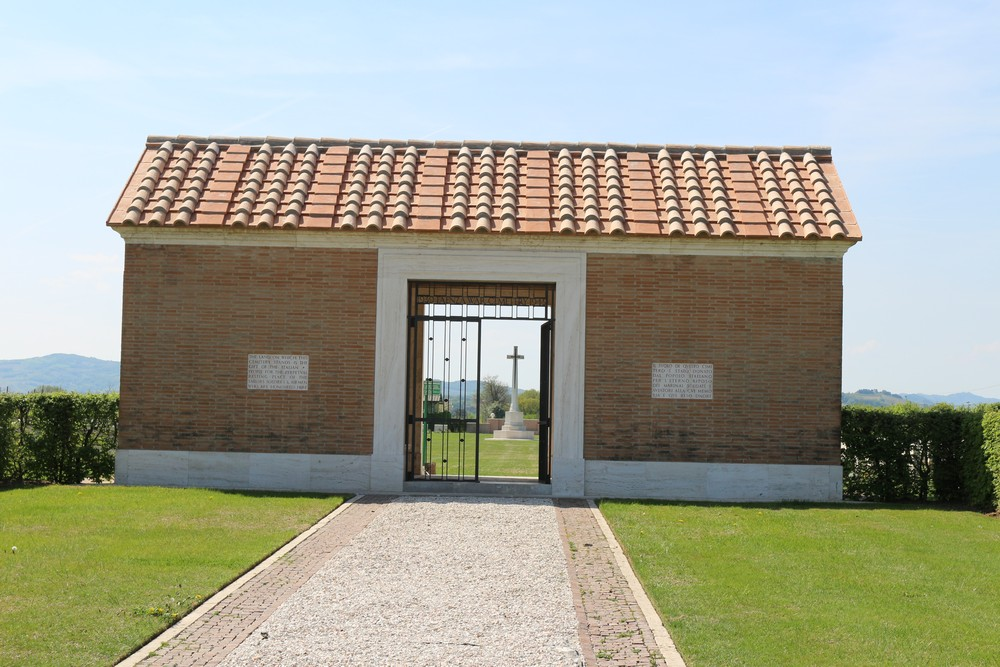 Commonwealth War Cemetery Faenza