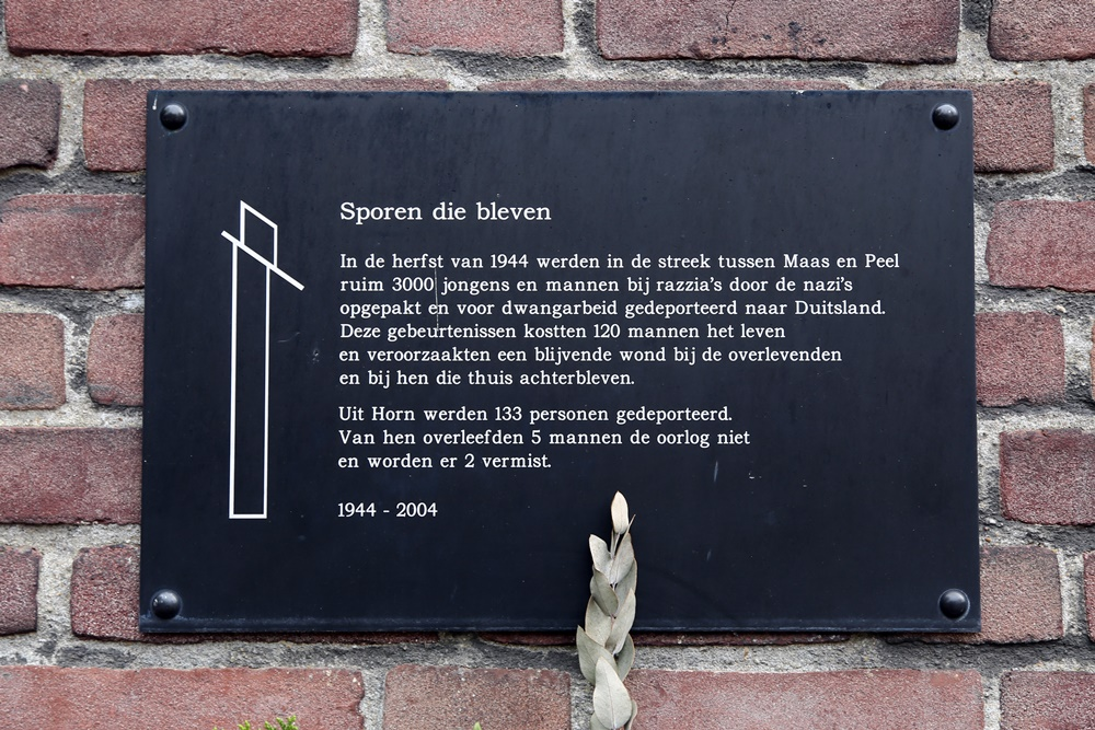 Monument 'Sporen die Bleven' Horn