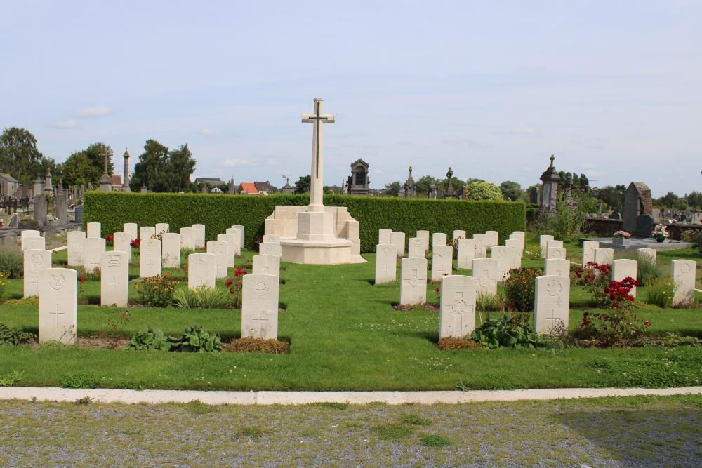 Russisch Oorlogsgraf Leuze Communal Cemetery