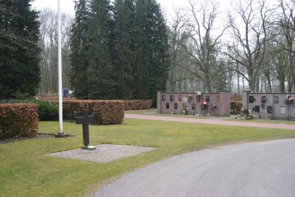 War Memorial Cemetery Schoonoord