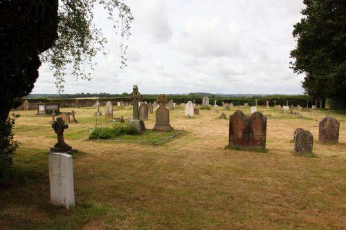 Oorlogsgraven van het Gemenebest Holy Cross Churchyard