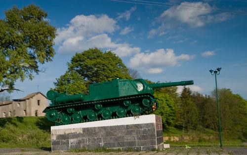 Bevrijdingsmonument (ISU-152) Ostropol