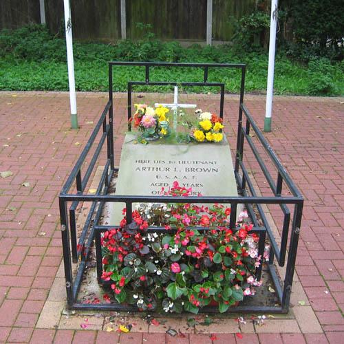 Field Grave American Pilot Nantwich