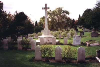 Commonwealth War Graves Bedford Cemetery