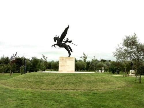 Monument Parachute Regiment