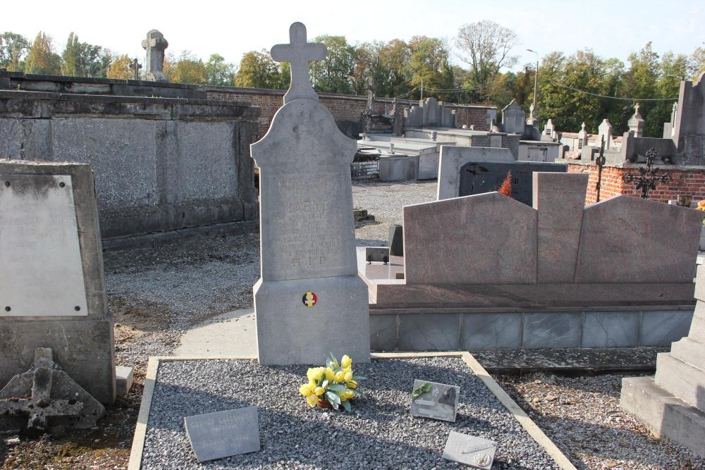 Belgische Oorlogsgraven Avin