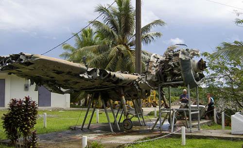 Wrak F6F-5 Hellcat Gevechtsvliegtuig - Vliegeniersmonument Yap