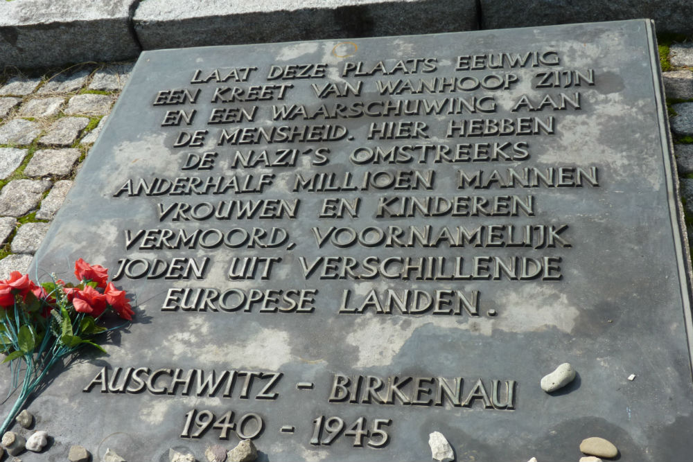 Monument Slachtoffers Fascisme Concentratiekamp Auschwitz ll