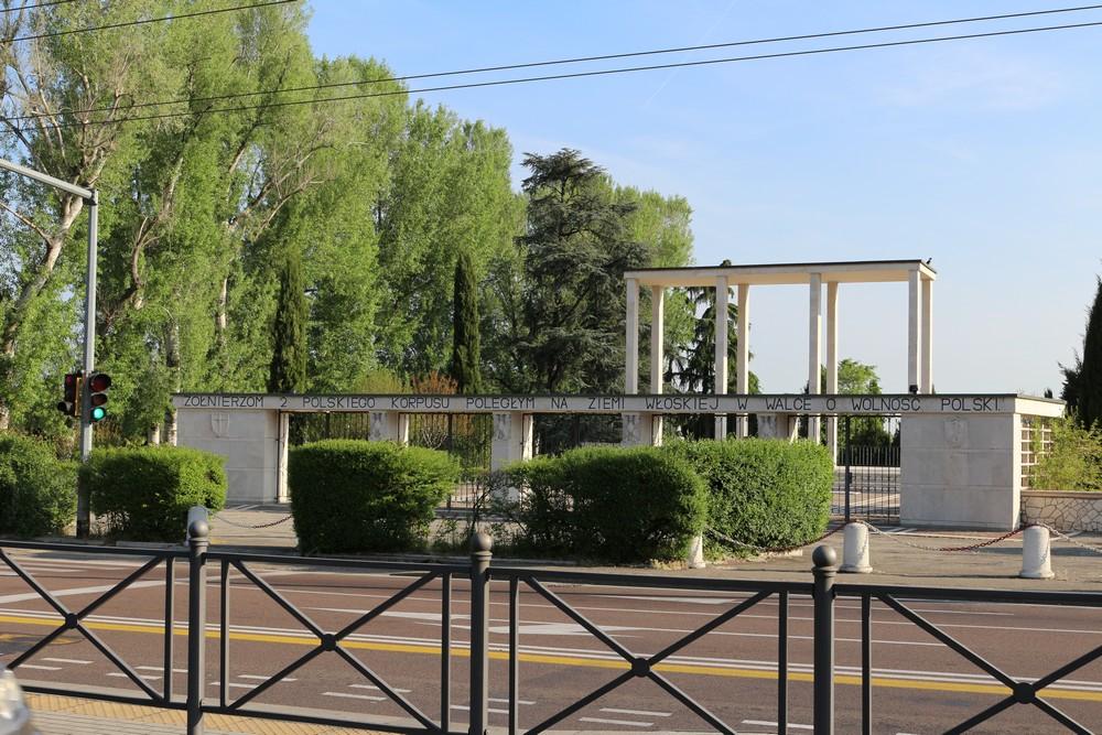 Poolse Oorlogsbegraafplaats Bologna