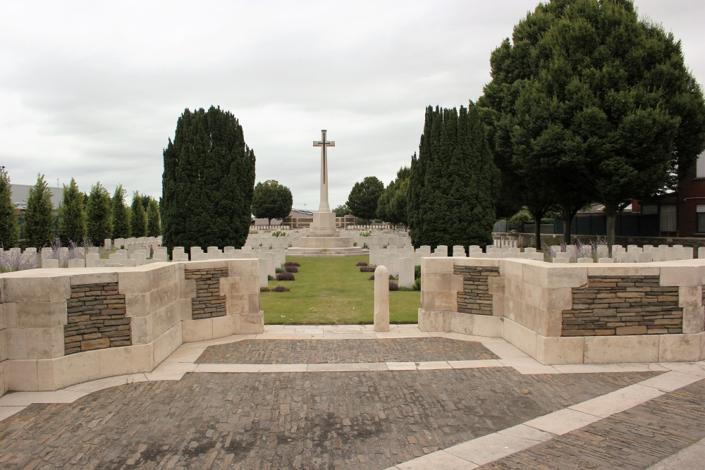 Commonwealth War Cemetery Harelbeke