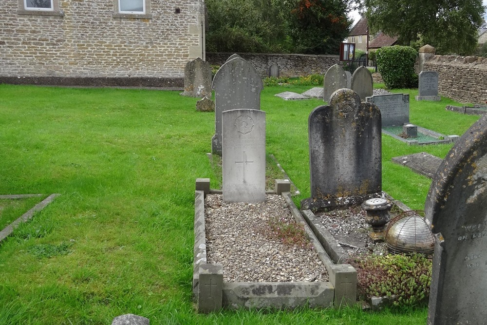 Commonwealth War Grave Atworth Congregational Chapelyard