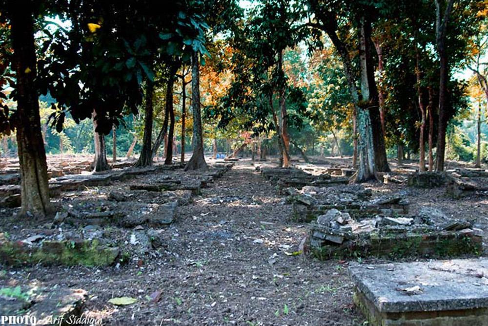World War II Cemetery Cum Botanical Garden