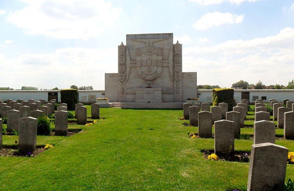Portugese Oorlogsbegraafplaats Richebourg
