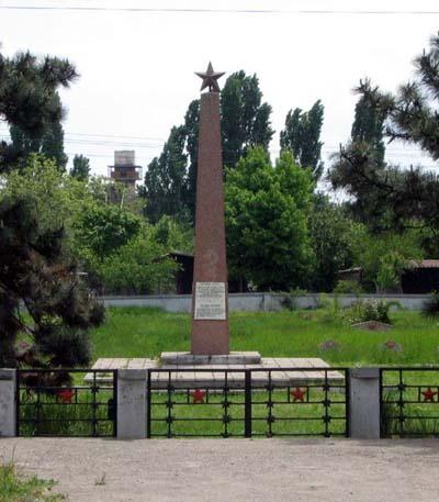 Sovjet Oorlogsbegraafplaats Buzău