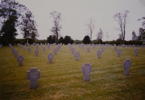 Duitse Oorlogsbegraafplaats Amel-sur-l'Etang