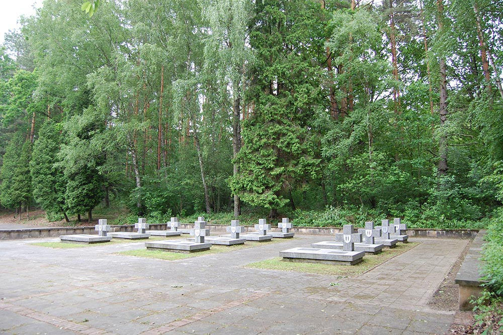 Poolse Oorlogsbegraafplaats Portowo Heuvel