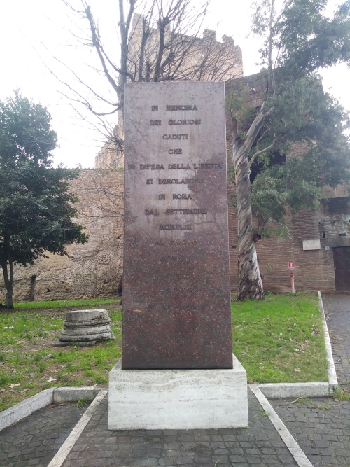 Monument Porta San Paolo