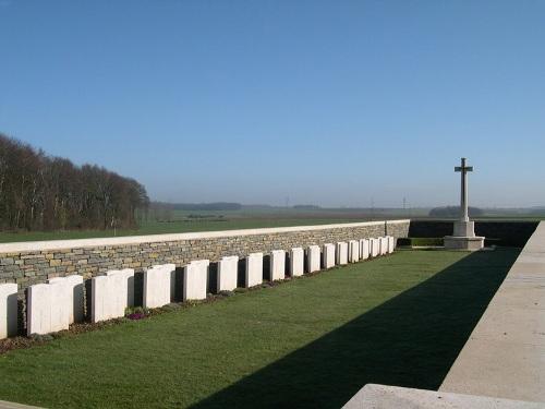 Commonwealth War Cemetery Luke Copse