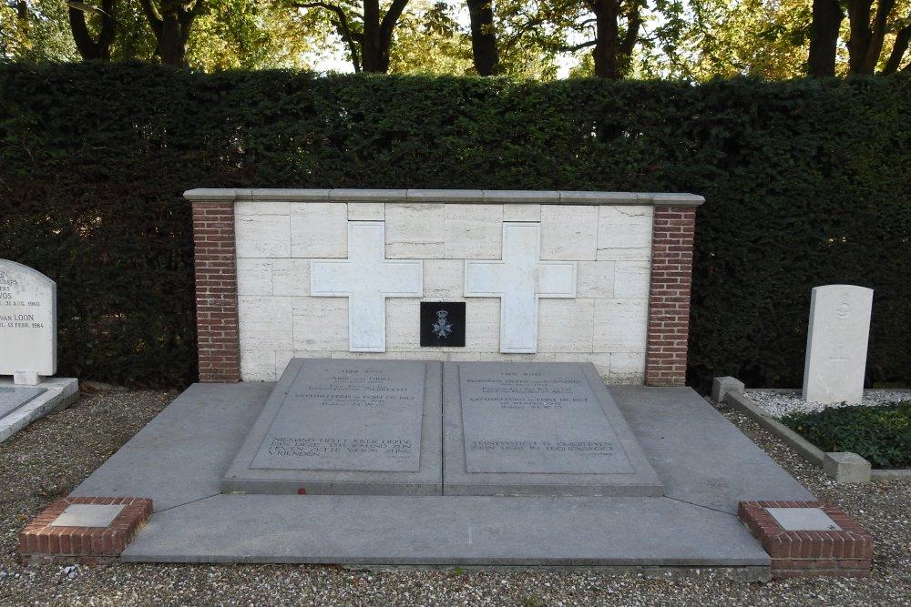 Dutch War Graves Protestant Cemetery Werkendam
