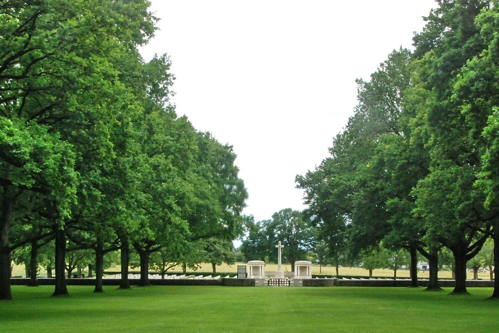 Oorlogsbegraafplaats van het Gemenebest Delville Wood