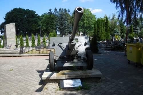 76mm Divisional Gun M1945 (ZiS-3)