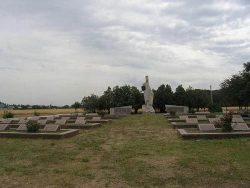 Sovjet Oorlogsbegraafplaats Orlivka