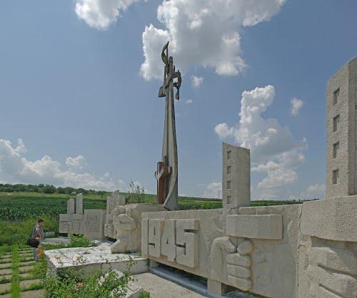 Mass Grave Soviet Soldiers Marcauti